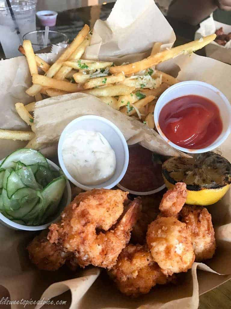 South Bank Seafood Bar Review -- I attended the soft opening of Houston's latest fast-casual seafood restaurant this past weekend. -- lilsweetspiceadvice.com